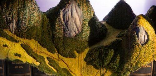 """Канадский художник вырезает из старых книг впечатляющие горные ландшафты (10 фото)"""">"""