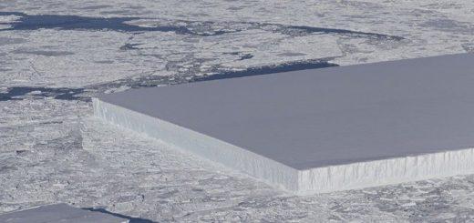 ajsberg-v-antarktide