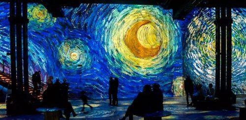 """Уникальная аудиовизуальная выставка, позволяющая почувствовать себя внутри картин Ван Гога (23 фото)"""">"""