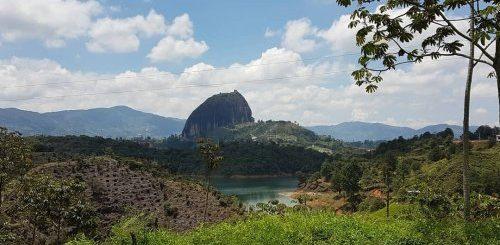 """Скала Эль-Пеньон-де-Гуатапе в Колумбии, похожая на гигантский камень (15 фото + видео)"""">"""