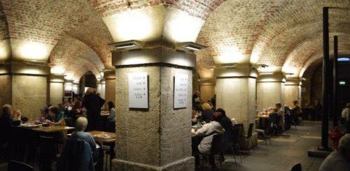 """ТОП-10: Самые странные и необычные места, где обустроили шикарные рестораны"""">"""