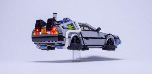 """Поклонник LEGO создал миниатюрную копию автомобиля DeLorean из фильма """"Назад в будущее"""" (9 фото)"""">"""
