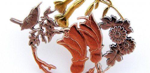 """Крошечные растения, птицы и объекты, вырезанные Микой Адамсом из монет (15 фото)"""">"""
