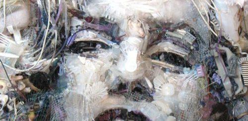 "Художник создаёт впечатляющий арт из мусора, который находит на пляжах (24 фото)"">"
