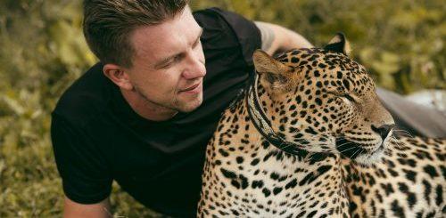 """Нежная дружба между леопардом и дрессировщиком (12 фото)"""">"""