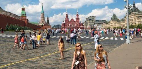 """ТОП-10: Поведение туристов в Европе, которое терпеть не могут местные жители"""">"""